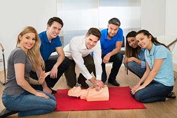 5 REASONS FOR BEING CPR CERTIFIED